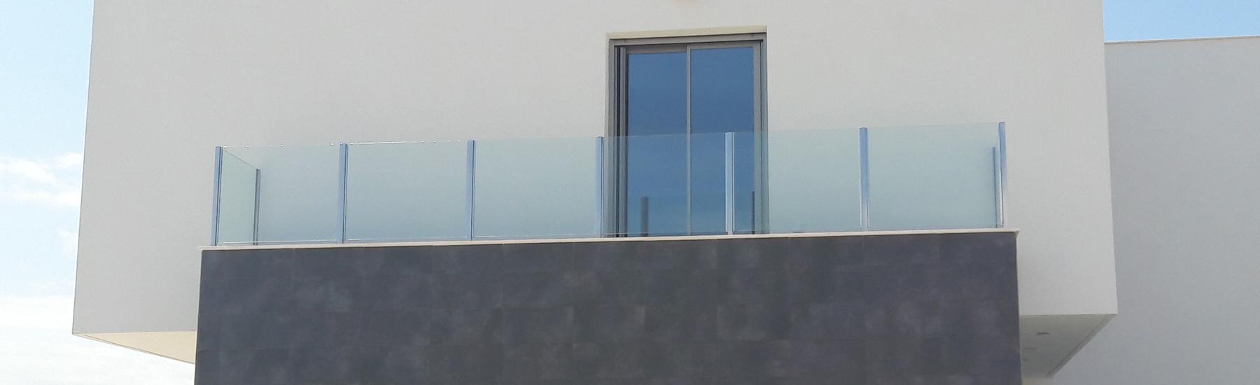 Puertas correderas de aluminio para terrazas top de terrazas y piscinas de carpintera de - Puerta terraza ...