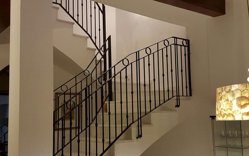 Barandas de hierro forjado para escaleras maderas for Escalera madera sodimac